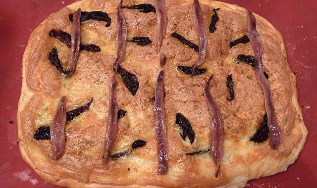 Focaccia de mozzarella y anchoas del Cantábrico