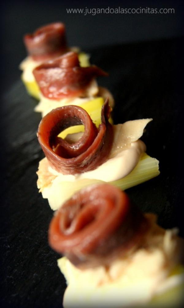 Bocados de puerro con bonito en aceite de oliva y anchoa