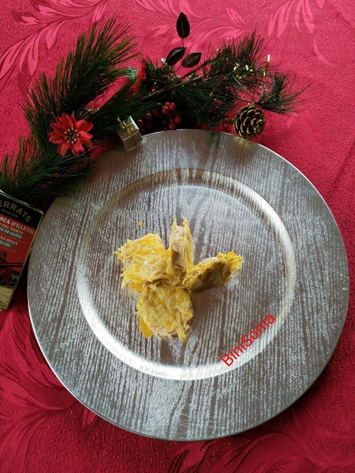 Canapes de Navidad crujientes de ventresca