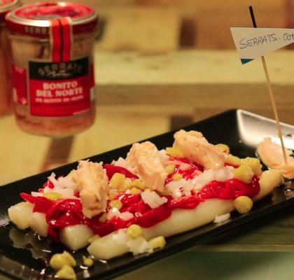 VIDEORECETA Ensalada de Bonito del Norte, espárragos, pimiento rojo y guindilla