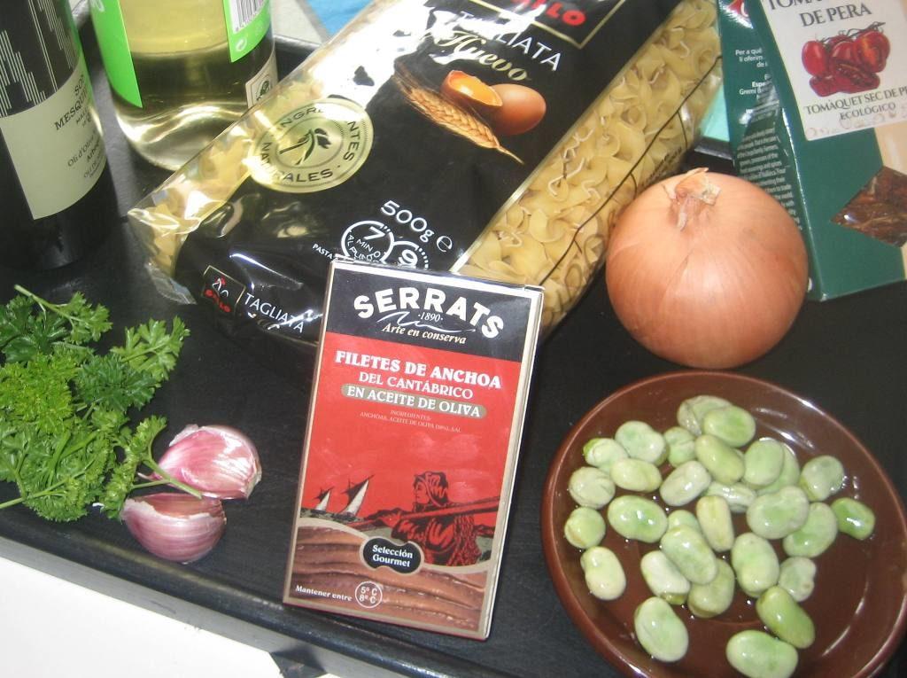 Ingredientes pasta con anchoas y habitas