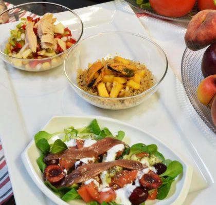 Ensaladas con fruta y conservas de pescado