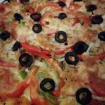 Pizza «Ladybug» de pimientos y atún