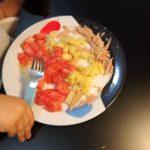 Ensalada creativa de tomate, atún y patata