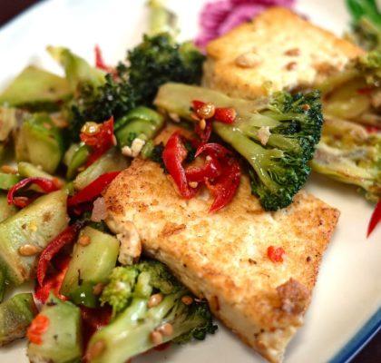 Tofu con verduras para los lunes sin carne