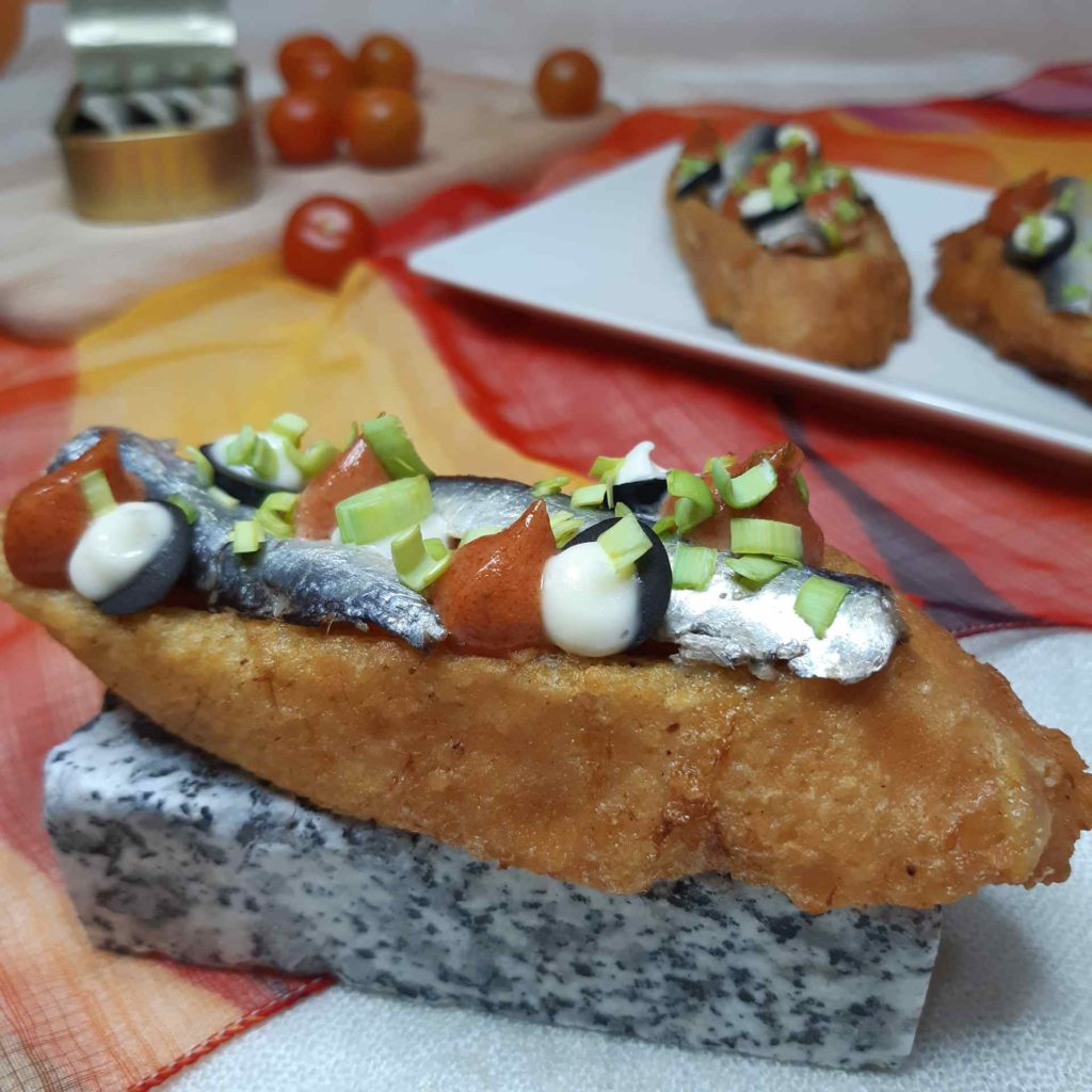 Torrijas saladas con sardinillas
