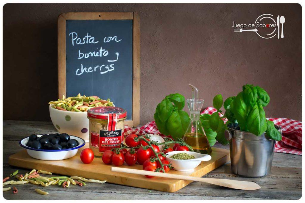 Ingredientes para preparar pasta con bonito y cherrys