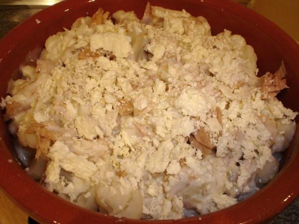 Añadimos el queso rallado, listo para gratinar
