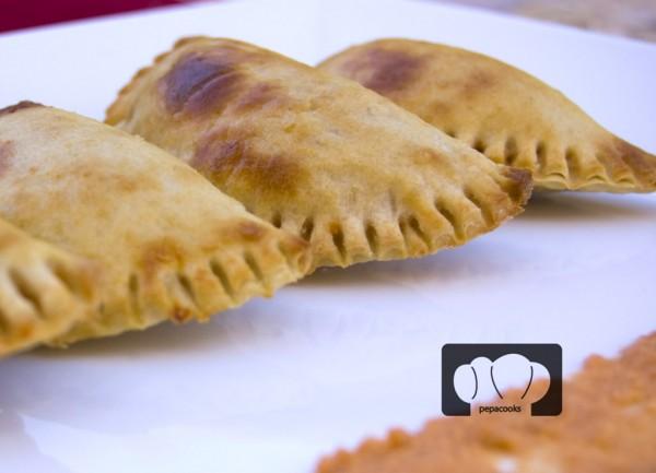 Empanadillas de Bonito del Norte y romesco