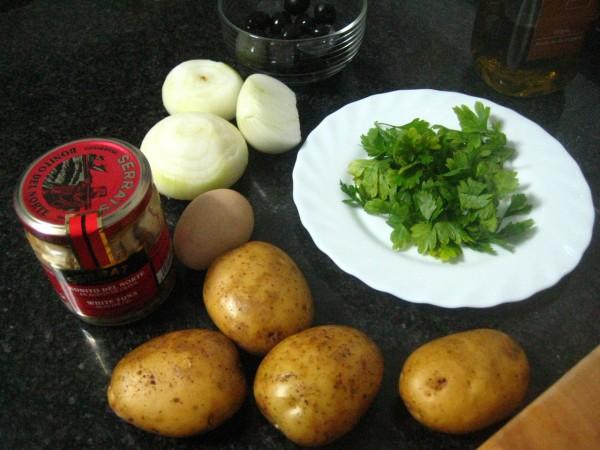 Ingredientes para esta receta donde el bacalao se sustituye por bonito