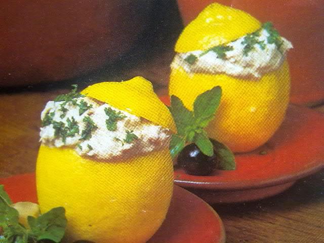 Limones rellenos de sardinillas
