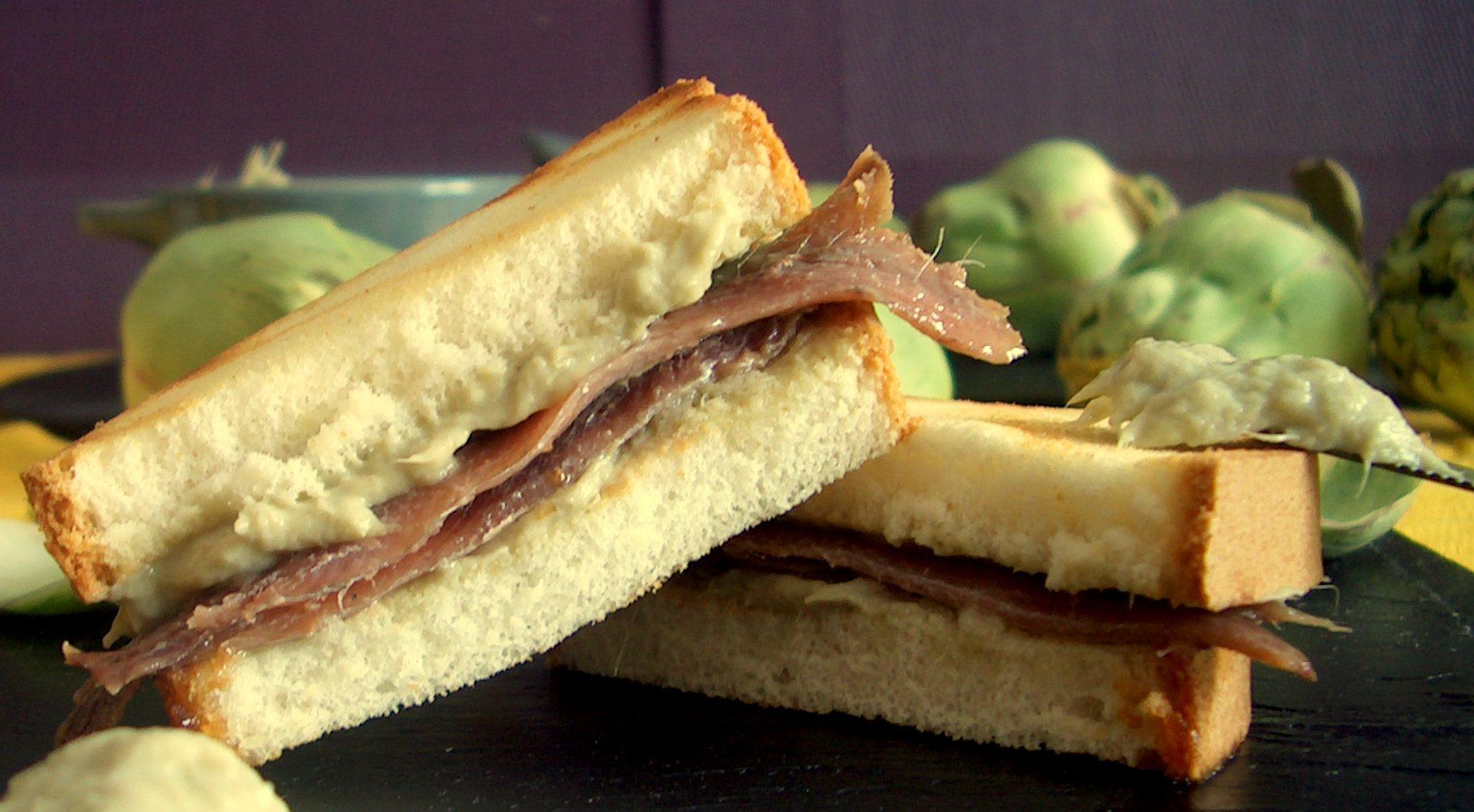 Sandwich de crema de alcachofas y anchoas
