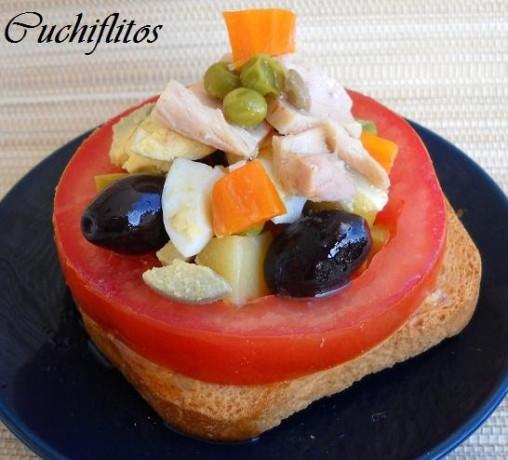 Tapita de ensalada con bonito del norte de Conservas Serrats
