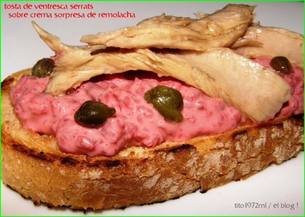 Tosta de ventresca de bonito de Conservas Serrats sobre crema sorpresa de remolacha