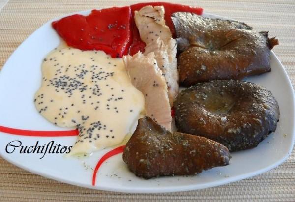 Ventresca de bonito de Conservas Serrats con ajazeite, rebollones y pimientos del piquillo