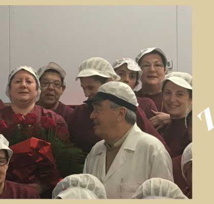 Homenaje a María Luisa, por sus 45 años en Conservas Serrats