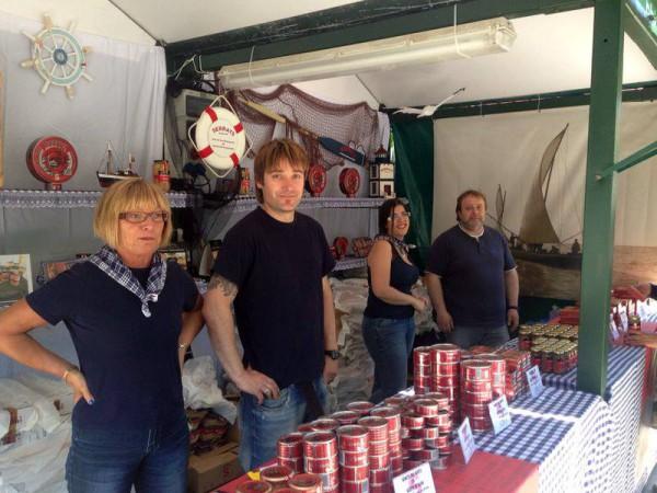 Parte del equipo Serrats en la Arrain Azoka 2014