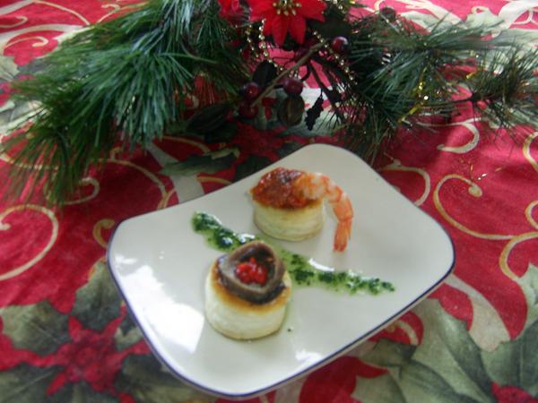 Canapés navideños de anchoas y caviar de oricios