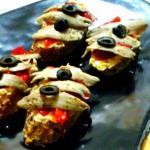 Canapés de Navidad sencillos, rápidos y deliciosos con Conservas Serrats