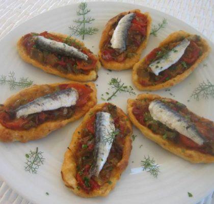 Canapés de verduras y sardinillas