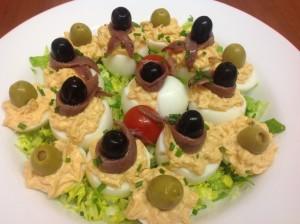 huevos rellenos de ventresca y anchoas Serrats
