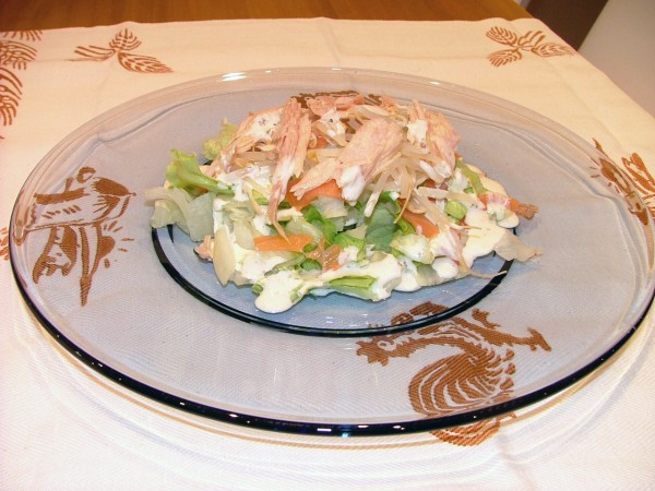 Ensalada marinera con salsa césar