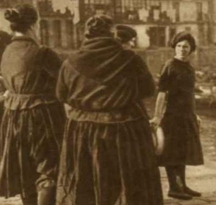 Mujeres en el puerto de Bermeo