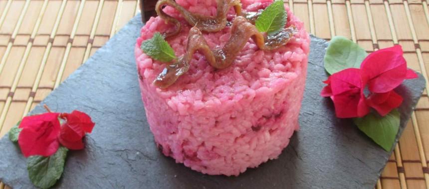 Risotto rosa de anchoa al toque de albahaca