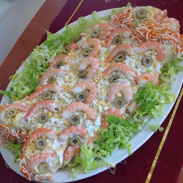 Rollo de patatas con bonito en forma de pez