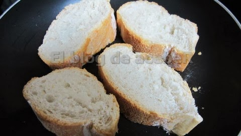 Tostar las rebanadas de pan
